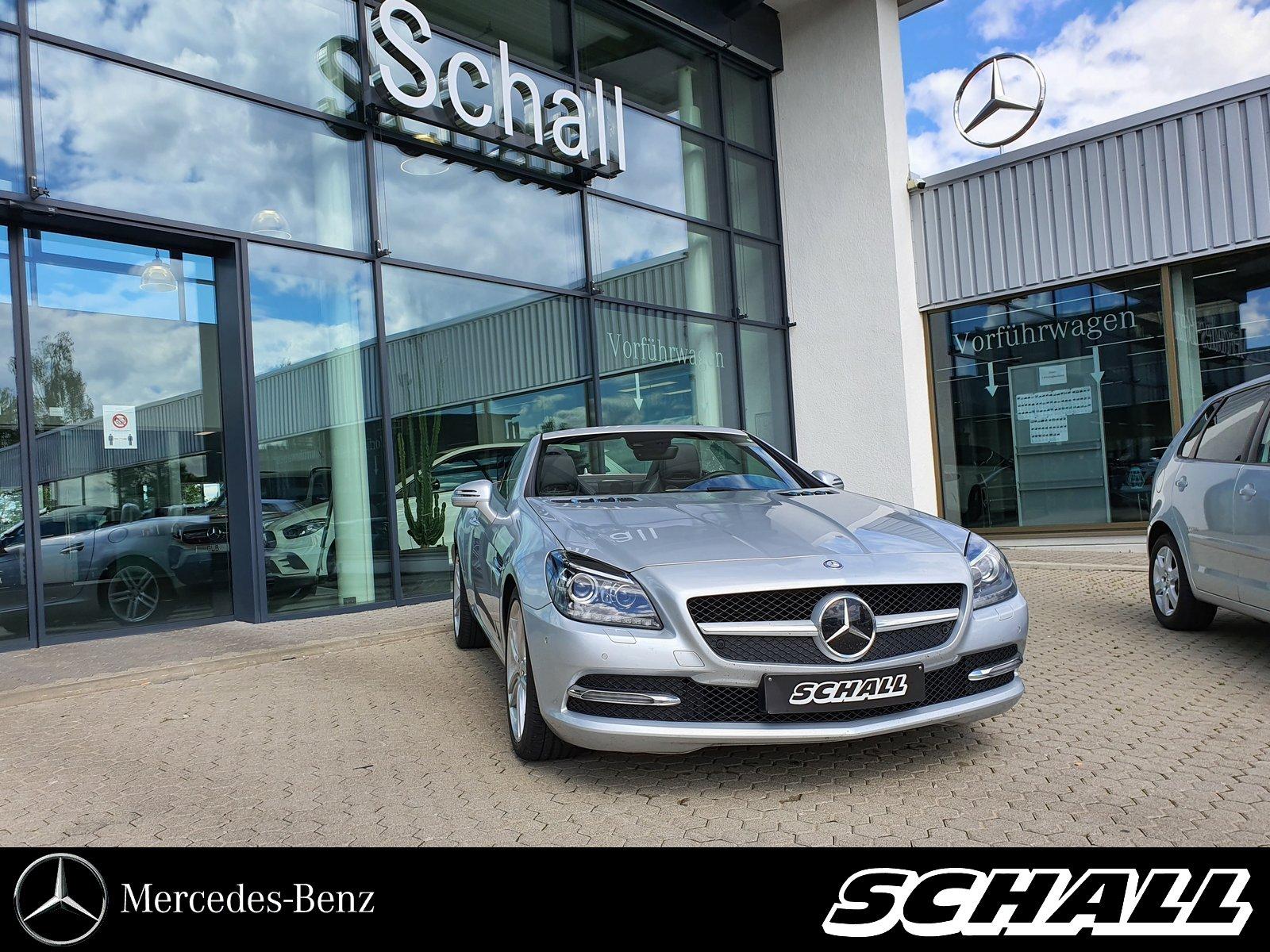 Mercedes-Benz SLK 350 DISTR+HARMAN+AIR+ILS+KEYLESS+MEMORY+AMBI, Jahr 2013, Benzin
