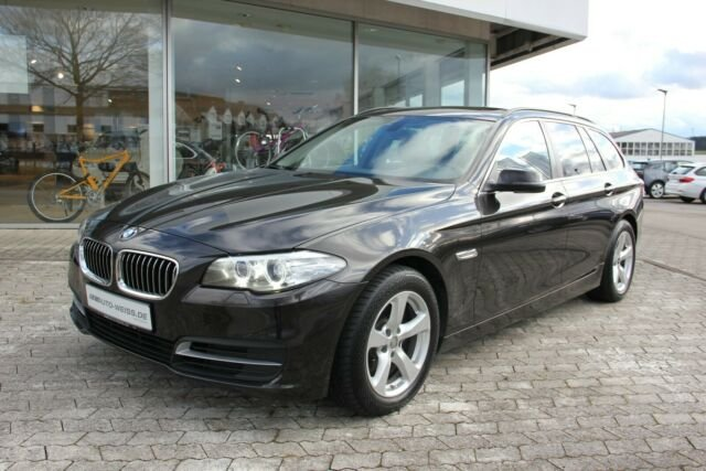 BMW 520dA Tour. NAVI SHZ PDC MFL USB Kamera HiFi AHK, Jahr 2013, Diesel