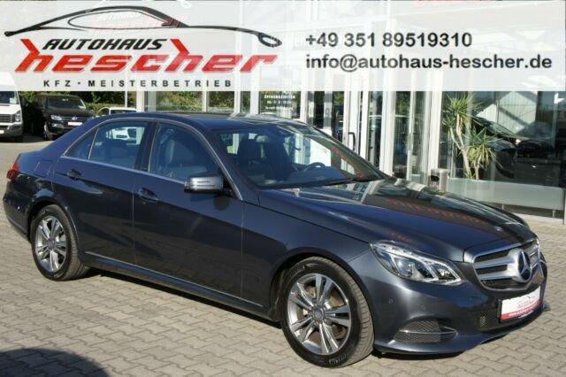 Mercedes-Benz E 220 Limousine Automatik*LED*NAVI*GLASDACH*, Jahr 2017, Diesel
