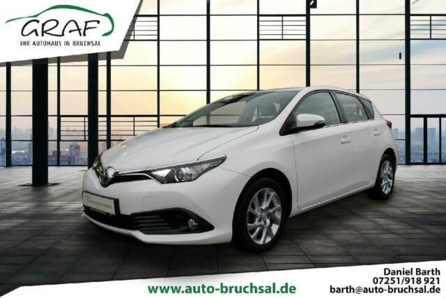 Toyota Auris Executive 1.2 115PS, Jahr 2015, Benzin