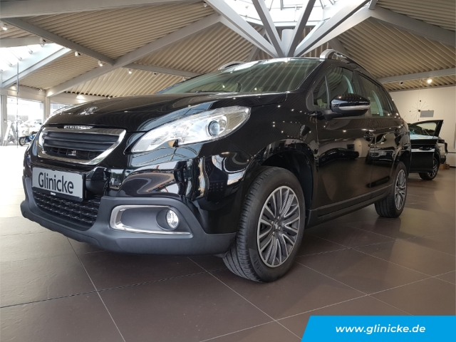 Peugeot 2008 Active 1.2 PureTech 110, Jahr 2015, Benzin