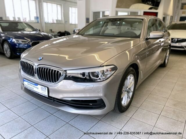 BMW 520 d xDrive touring LEDER PANORAMA STANDHEIZUNG, Jahr 2017, Diesel