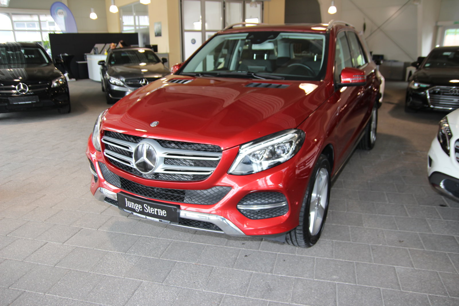 Mercedes-Benz GLE 350 d 4M/Comand/LED/Airmatic/Distr./Memory, Jahr 2017, Diesel