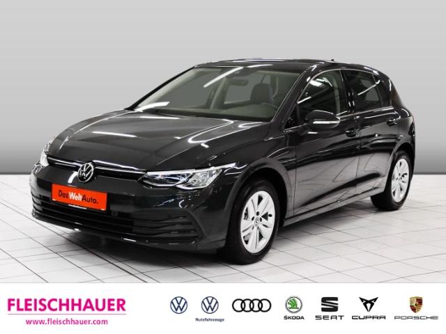 Volkswagen Golf VIII Life 1.5 TSI Navi+Pano+SHZ+PDC+LM+LED+Ambiente, Jahr 2020, Benzin