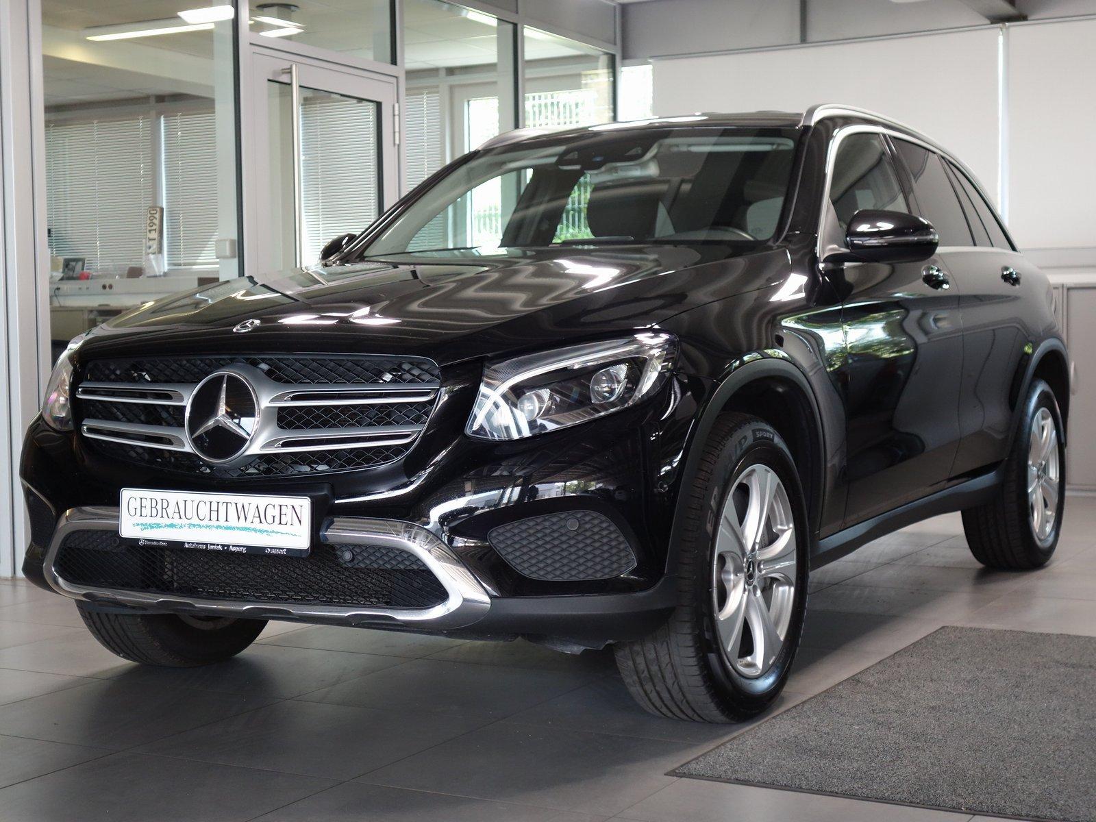 Mercedes-Benz GLC 250d 4M Exclusive Distronic Comand AHK LED, Jahr 2017, Diesel
