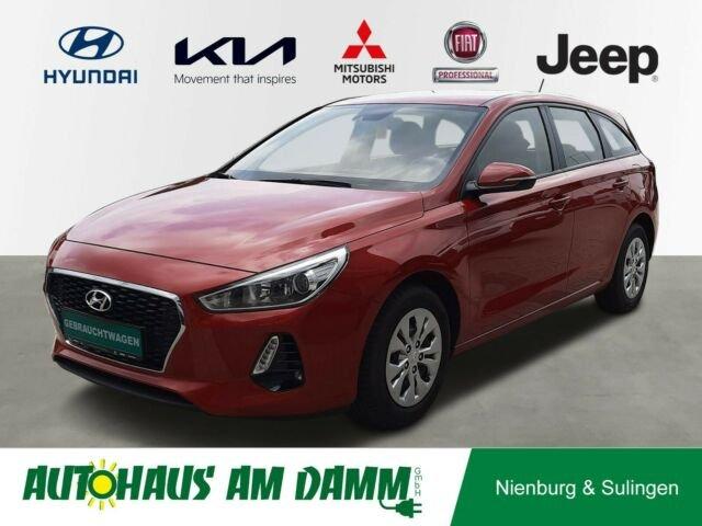Hyundai i30 cw Select Parksensoren, Jahr 2017, Benzin