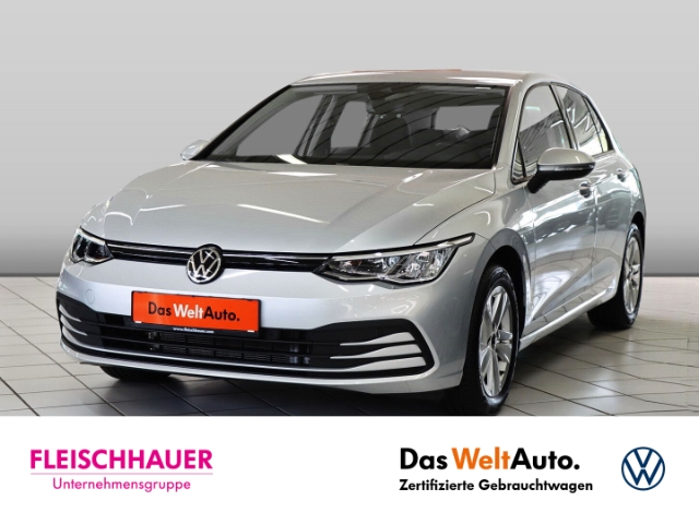 Volkswagen Golf VIII Life 1.5 TSI NAVI KLIMA SHZ PDC, Jahr 2020, Benzin