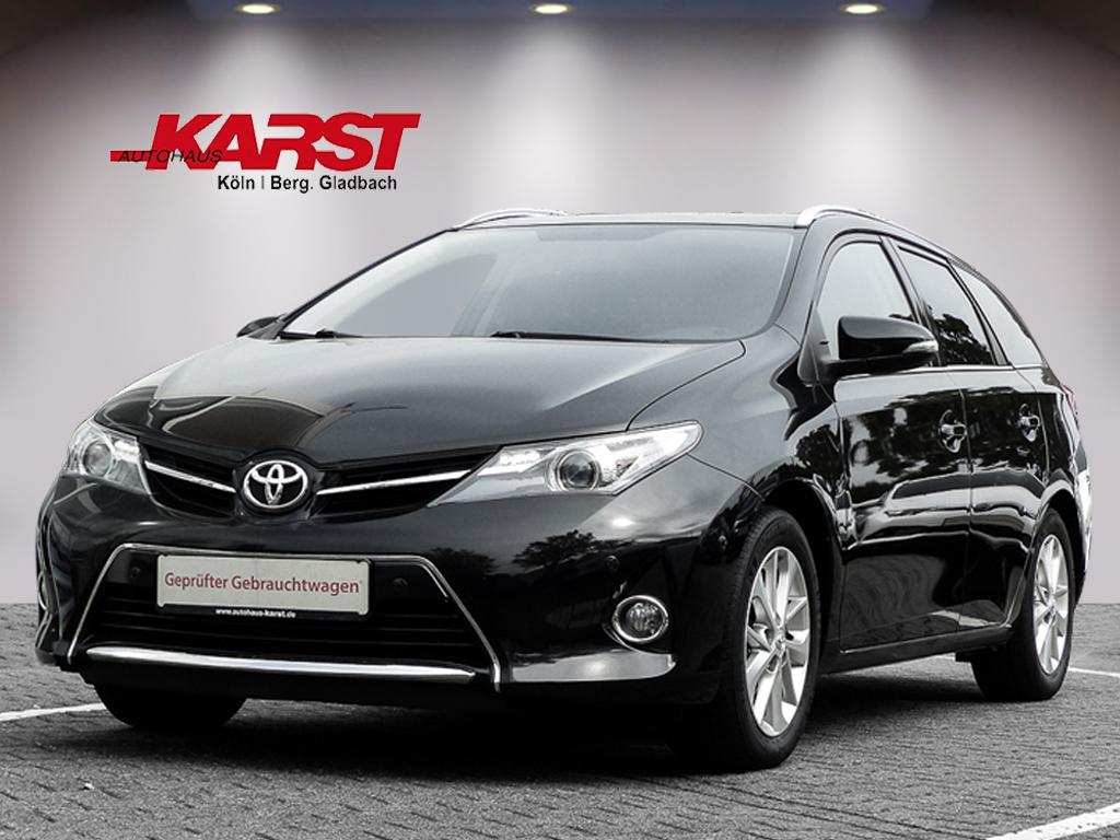 Toyota Auris Touring Sports 1.6 Life Plus Navigation, Jahr 2013, Benzin