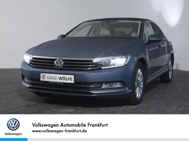 Volkswagen Passat 2.0 TDI DSG Highline Navi Klima LED-Scheinwerfer Panoramadach PASSAT Lim. HLBMT 140 TDID6F, Jahr 2016, Diesel