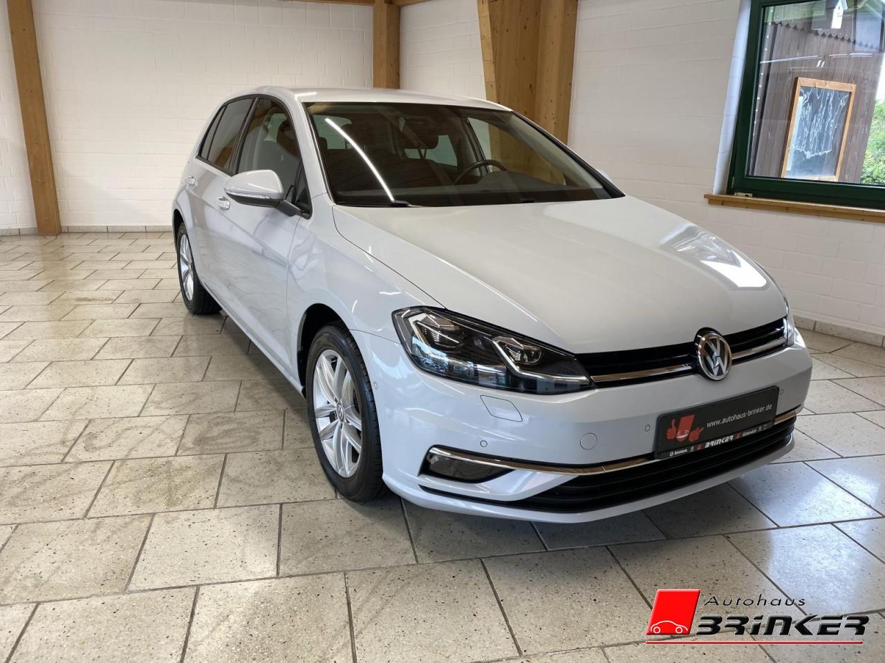 Volkswagen Golf VII 1.5 TSI DSG Sound - Navi, Standheizung, Jahr 2017, Benzin