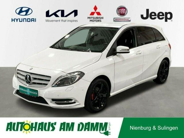 Mercedes-Benz B 180 B 180 / NAVI / PDC / AHK / KLIMA / ALU, Jahr 2014, Benzin