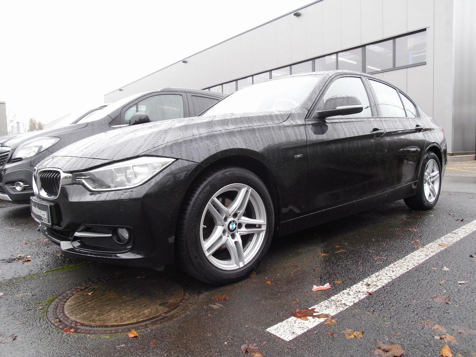 BMW 316i *Sport*Comfort-Paket*Bi-Xenon*LM-Felgen*PDC, Jahr 2014, petrol
