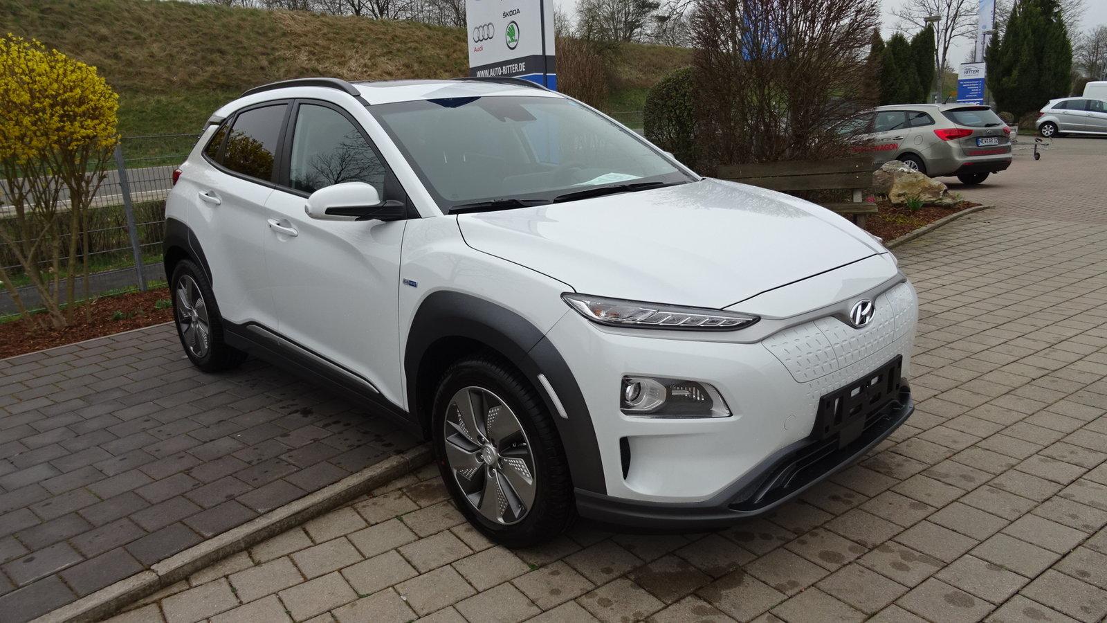 Hyundai Kona Elektro Style 2WD NAV RFK DAB , Jahr 2019, Elektro