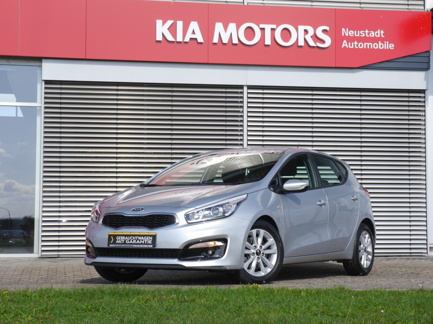 Kia cee'd Edition Klima/ Sitz- & Lenkradheizung/ Par, Jahr 2016, Benzin