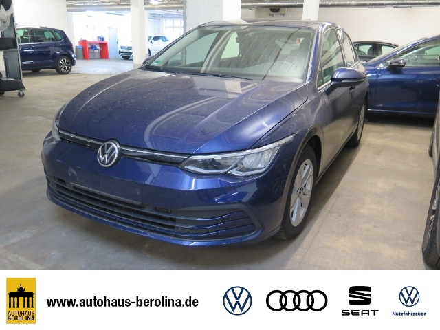 Volkswagen Golf VIII 1.0 TSI Basis *SHZ*PDC*Beh.Lenkrad*, Jahr 2020, Benzin