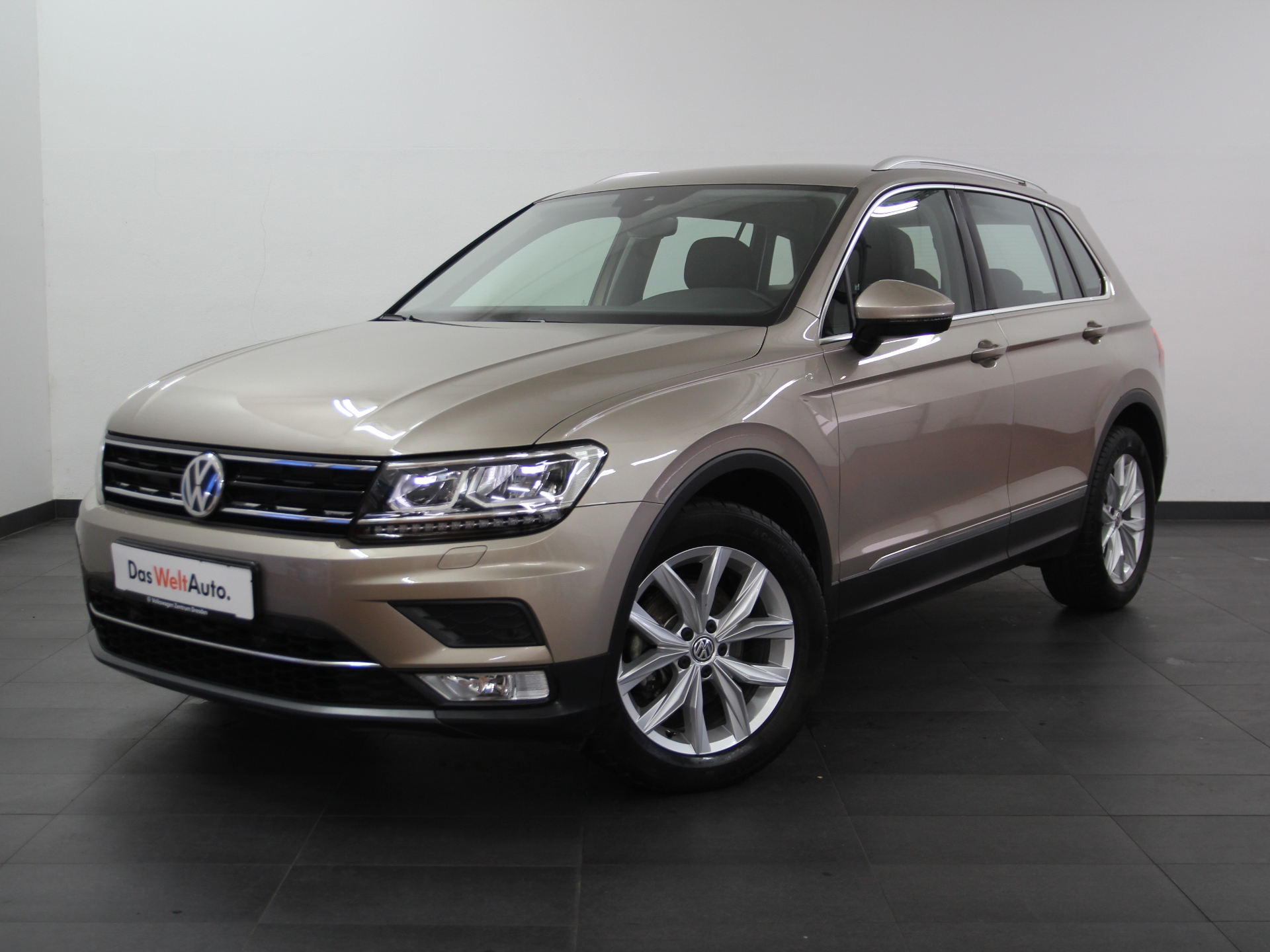 Volkswagen Tiguan Highline 2.0 TDI LED NAV ACC AB 2,99%, Jahr 2016, Diesel