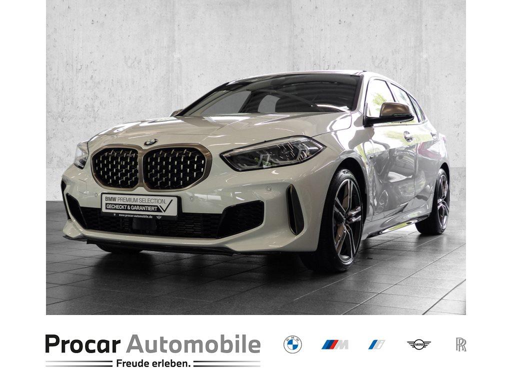BMW M135i xDrive MSPORT+NAVI+SHZ+Finanzierung ab 1%, Jahr 2020, Benzin