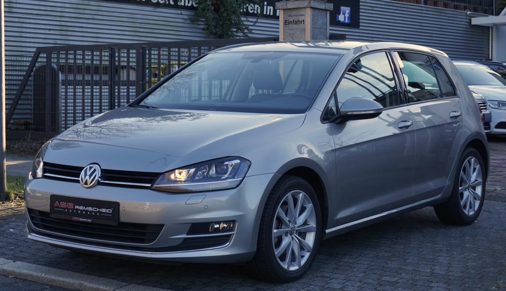 Volkswagen Golf 1,4 TSI Highline *Teilleder *1.Hand *Navi *Kam*, Jahr 2017, Benzin