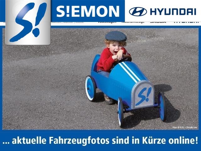 Hyundai i30 1.4 Classic Navi Klima R-Cam Bluetooth PDC, Jahr 2013, Benzin