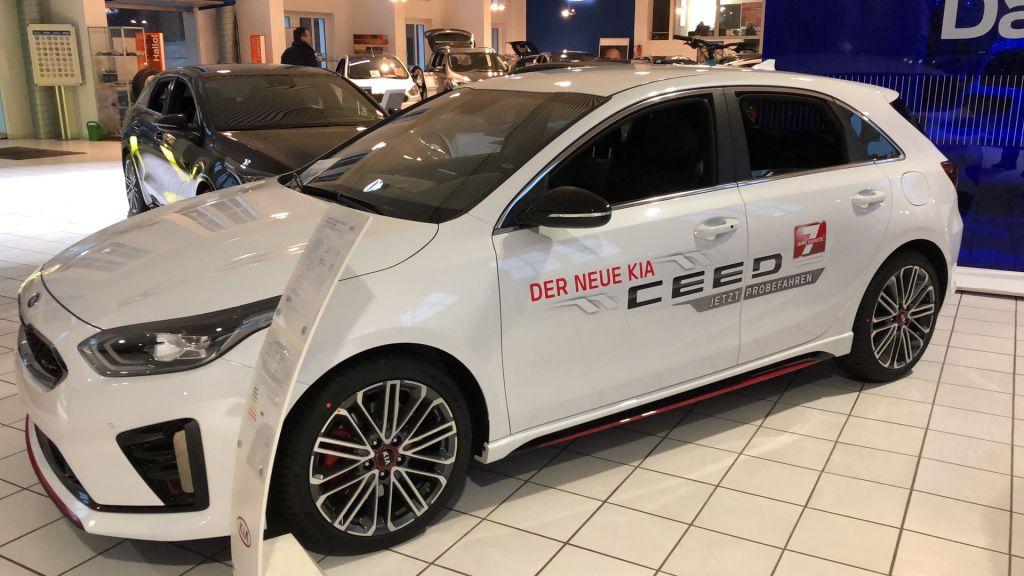 Kia Ceed 1.6 T-GDI OPF GT inkl. WKR 18 Zoll, Jahr 2019, Benzin