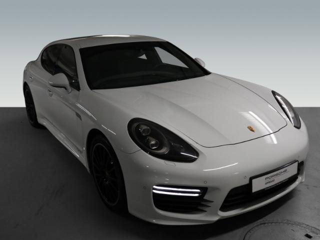 Porsche Panamera GTS 4.8 LED 20-Zoll SportabGasanlage, Jahr 2014, Benzin