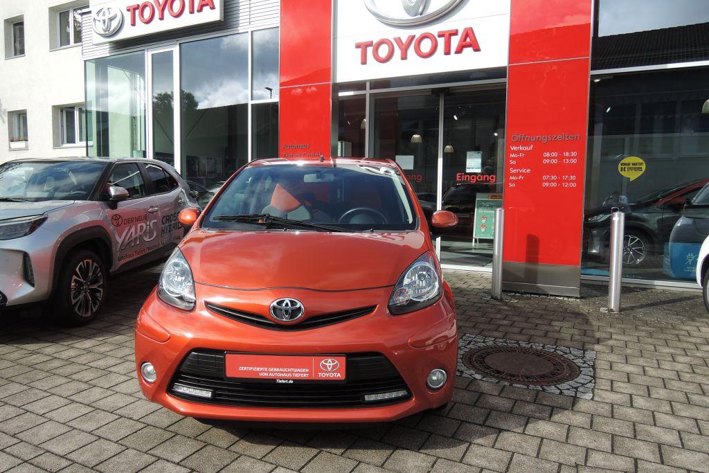Toyota Aygo 1.0 5 Türer, Jahr 2013, Benzin