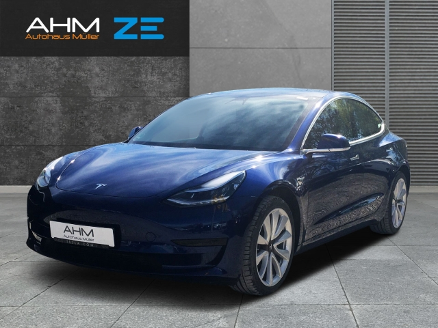 Tesla Model 3 Standart Range + - AHK VERMIETUNG MÖGL, Jahr 2020, Elektro