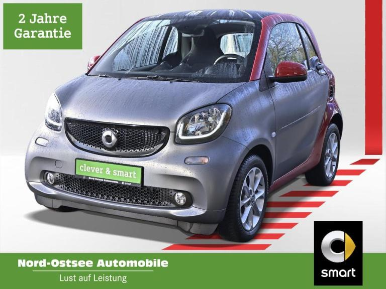 smart fortwo 52 kW Passion Cool and Media Pano LED SHZ, Jahr 2019, Benzin