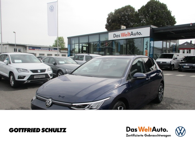 Volkswagen Golf KLIMA Life 1.5 TSI LED NAVI PDC SHZ, Jahr 2021, Benzin