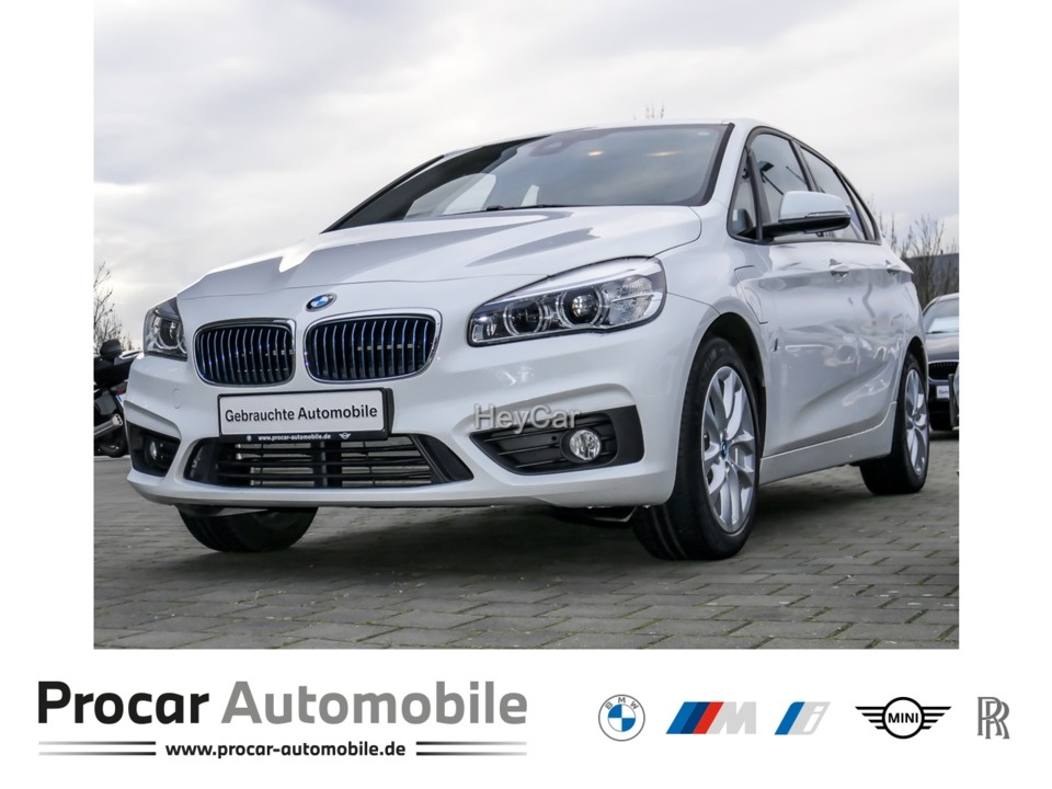 BMW 225 Active Tourer xe iPerformance Navi LED PDC, Jahr 2017, Hybrid