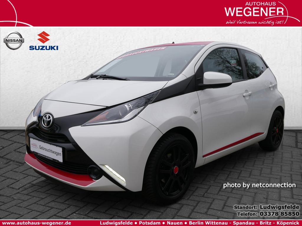 Toyota Aygo 1.0 X-Play, Jahr 2014, Benzin
