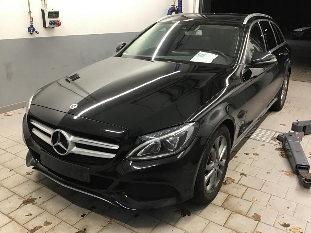 Mercedes-Benz C 300 T Avantgarde Standhz. Comand LED PDC, Jahr 2017, Benzin