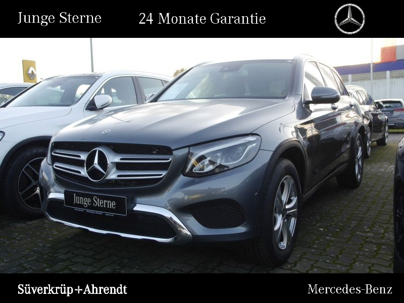 Mercedes-Benz GLC 300 4M Exclusive Navi LED AHK Kamera Easy, Jahr 2018, petrol