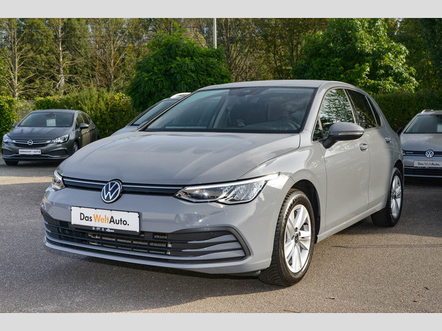 Volkswagen Golf VIII Life 1.5 TSI Navi ACC LED 3 Jahre Anschlussgarantie, Jahr 2020, Benzin