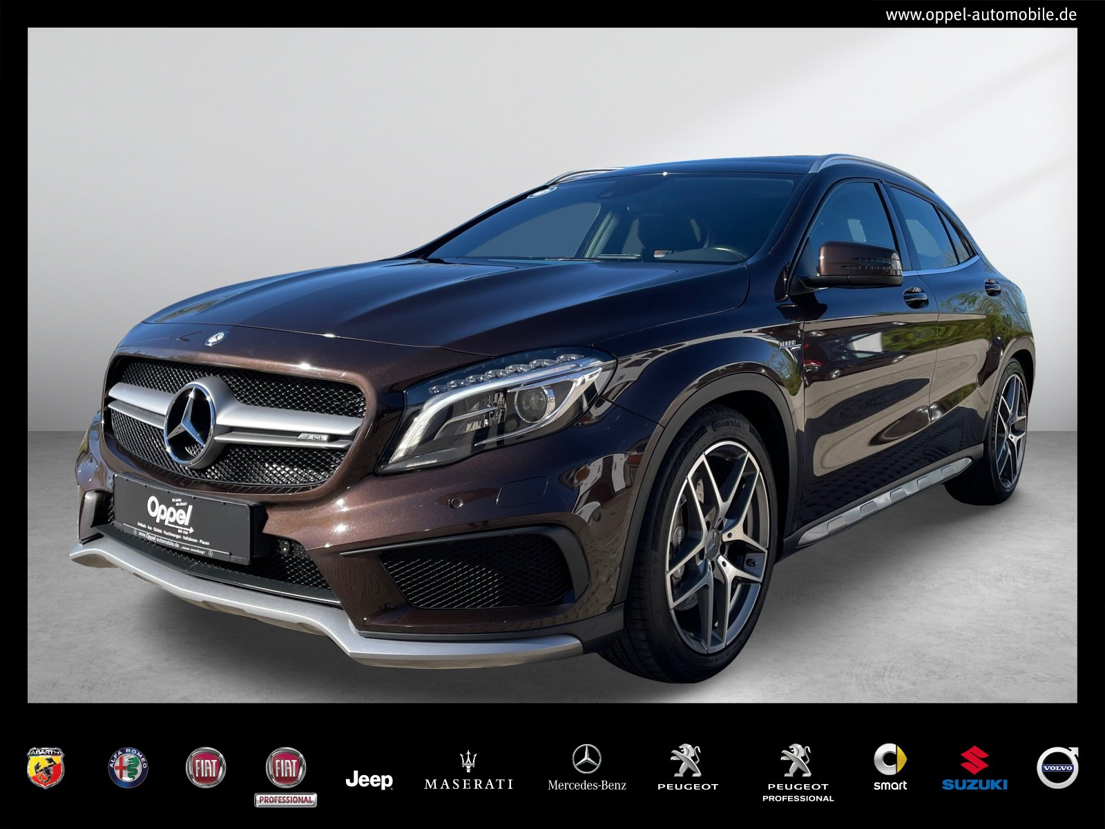 Mercedes-Benz GLA 45 AMG 4MATIC PANO+LED+COMAND+R-KAMERA+NAVI, Jahr 2015, Benzin