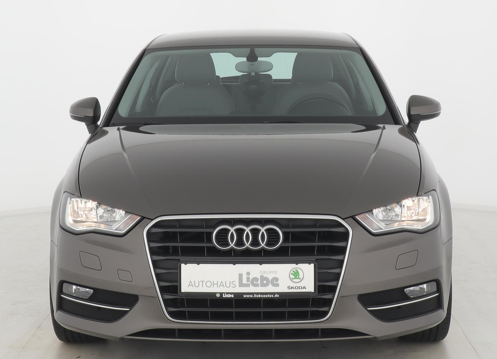 Audi A3 SPORTBACK ATTRACTION UNTERBODENSCAN|KLIMA|UVM, Jahr 2013, Benzin