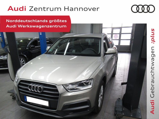 Audi Q3 2.0 TFSI design, AHK, Xenon, Alcantara, Jahr 2017, Benzin