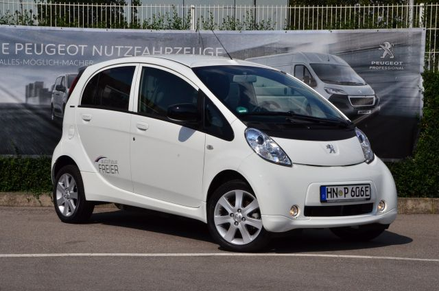 Peugeot iOn - FULL ELECTRIC, Jahr 2018, Elektro