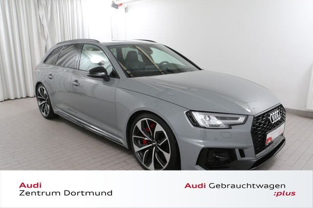 Audi RS4 Avant 2.9TFSI qu. ACC/HuD/Sportaga/B+O, Jahr 2018, Benzin