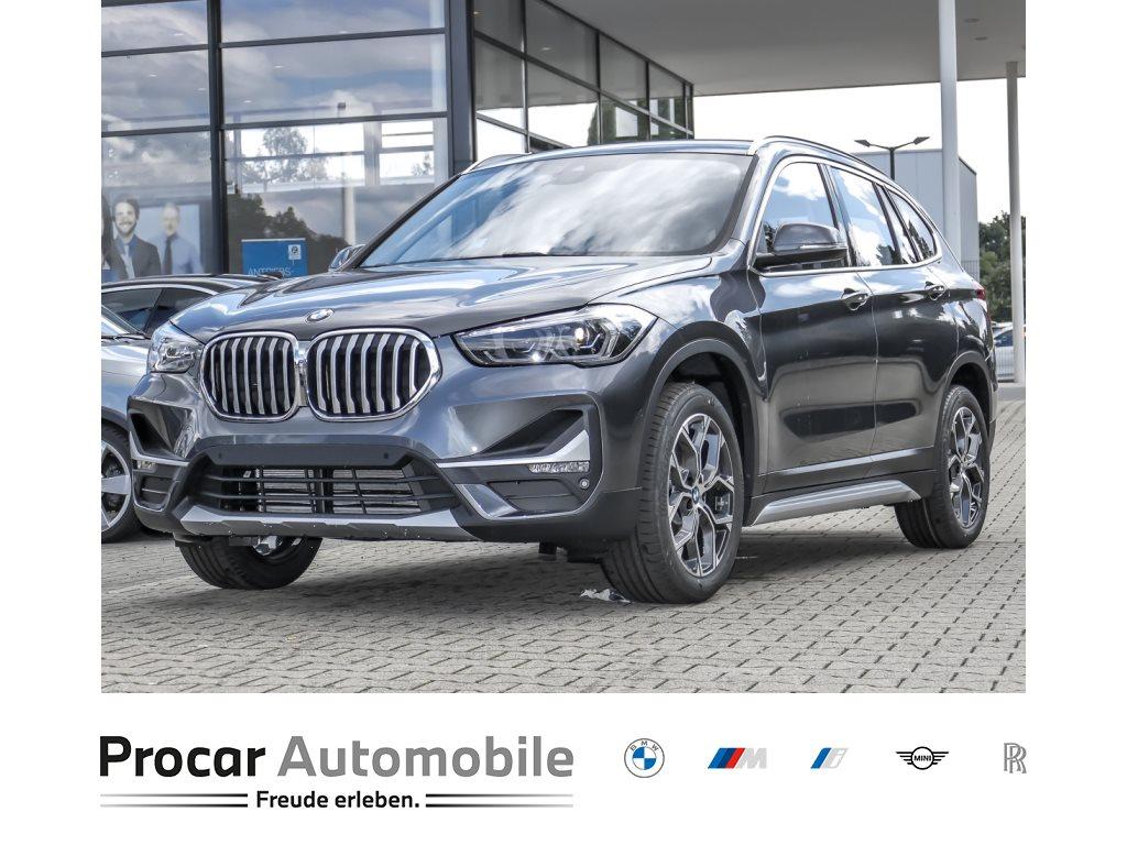 BMW X1 sDrive18i xLine AHK RFK LED NAVI KAMERA, Jahr 2021, Benzin