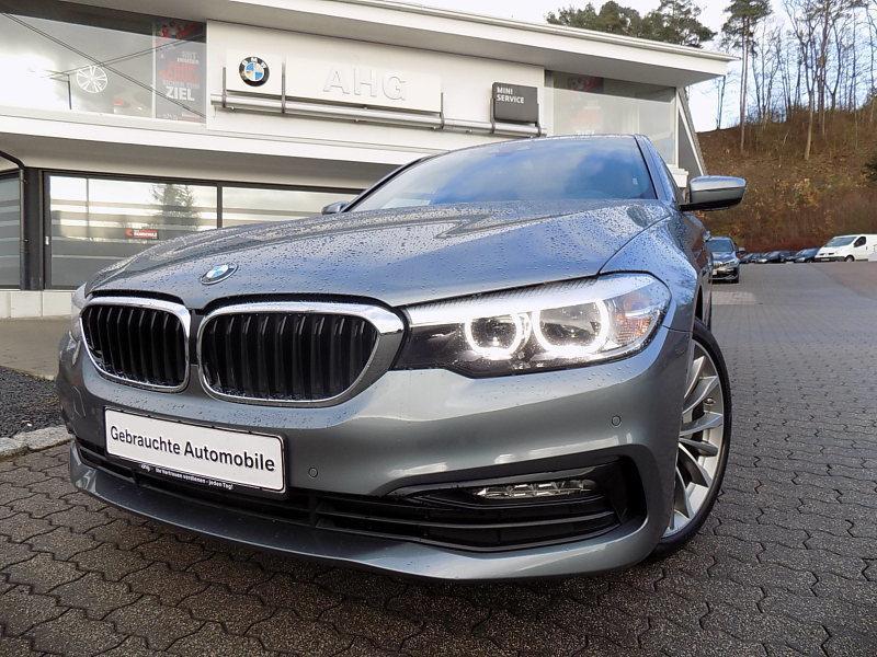 BMW 540i xDrive Sport Line Navi Prof. Sport Aut. AHK, Jahr 2018, petrol