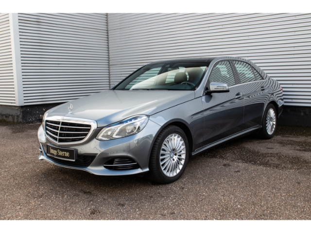 Mercedes-Benz E 220 CDI Elegance+Comand+Pano-Dach+LED+Leder, Jahr 2015, Diesel