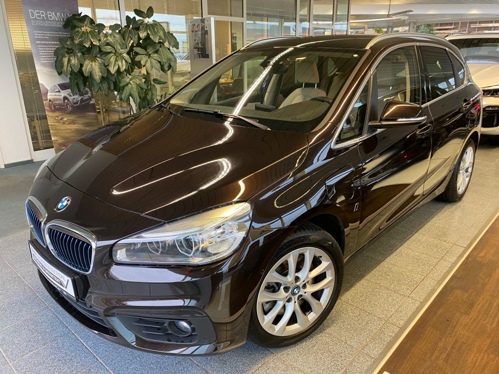 BMW 225xe Active Tour.iP. LEDer+KAM+NAVI+TEM+SITZH+PDC, Jahr 2017, Hybrid
