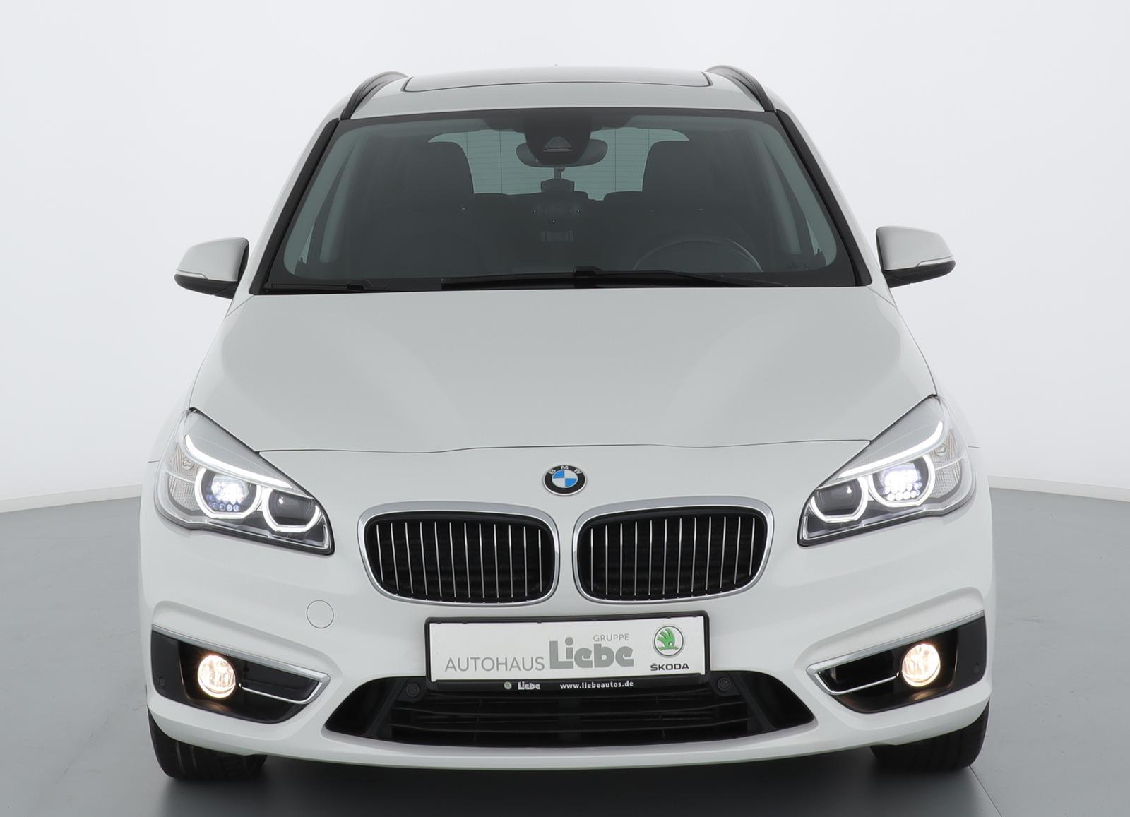 BMW 220d LUXURY LINE AUTOMATIK PANO+KAMERA+NAVI+LED, Jahr 2017, Diesel