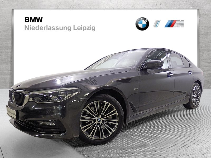 BMW 530i xDrive Limousine EURO6 HiFi DAB Aktivlenkung LED RTTI, Jahr 2017, Benzin