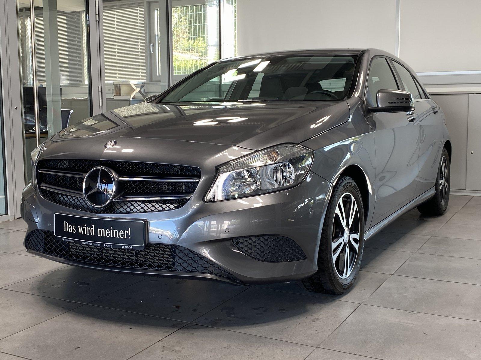 Mercedes-Benz A 180 Style|Navi|PDC|SHZ|EUR6, Jahr 2015, Benzin