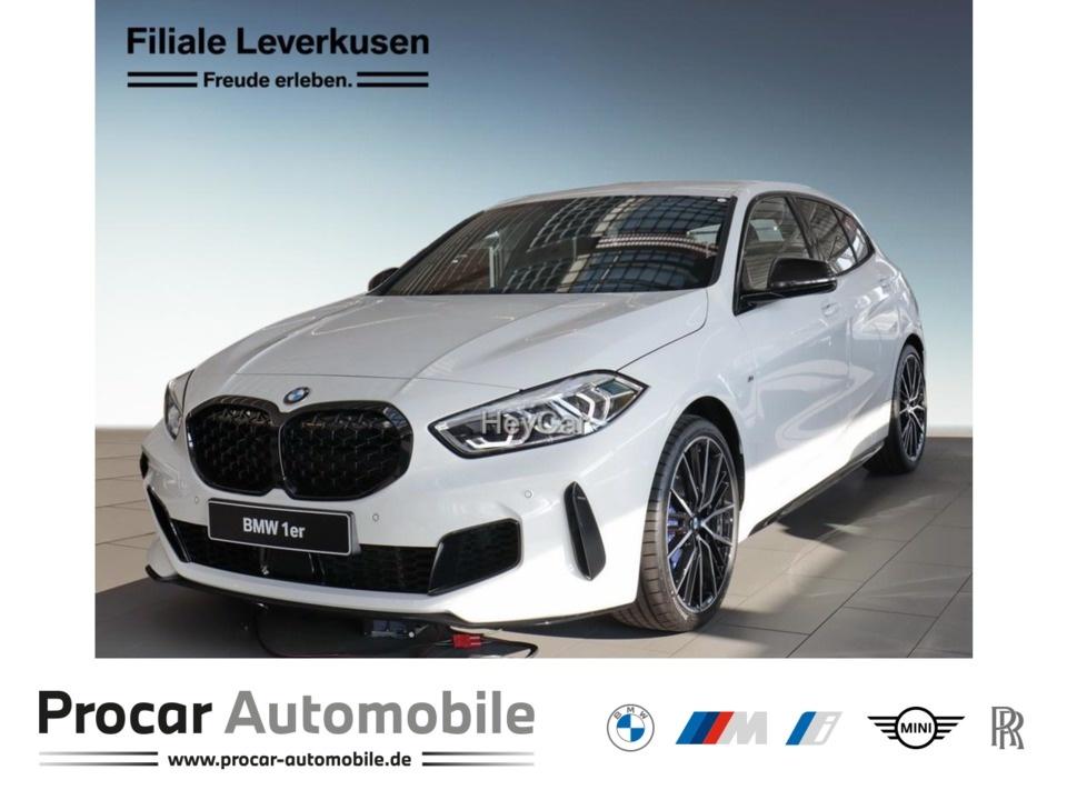 BMW M135i xDrive Sport Aut. Head-Up 8-fach bereift, Jahr 2020, Benzin