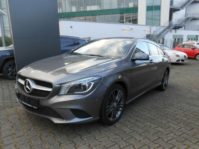 Mercedes-Benz CLA 180 Shooting Brake, Jahr 2015, Benzin