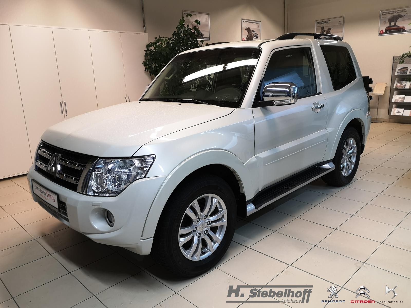 Mitsubishi Pajero 3.2 Di-D Edition 30 *Navi*AHK*Panoramadach*Leder*, Jahr 2013, Diesel