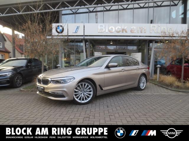 BMW 540i xDrive Limousine Luxury Line AHK HUD DA+PA+, Jahr 2017, Benzin